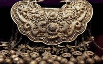海南苗族银饰