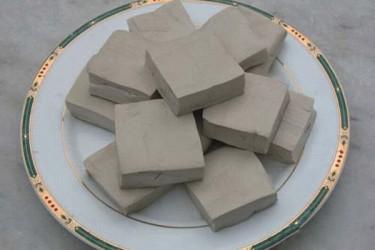 石山黑豆腐
