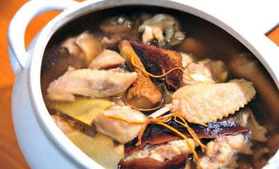 灵芝香鸡汤