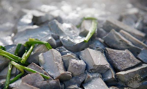 清焖石山黑豆腐