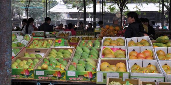 三亚某水果批发市场(配图)