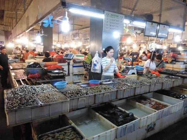 三亚第一市场卖海鲜的商家